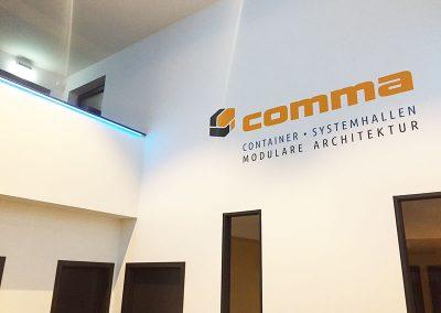 comma-container29