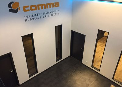 comma-container43