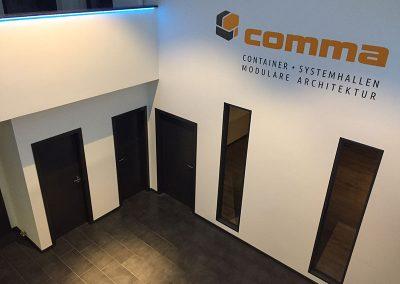 comma-container44