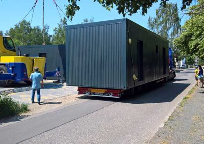 container-anlieferung-2